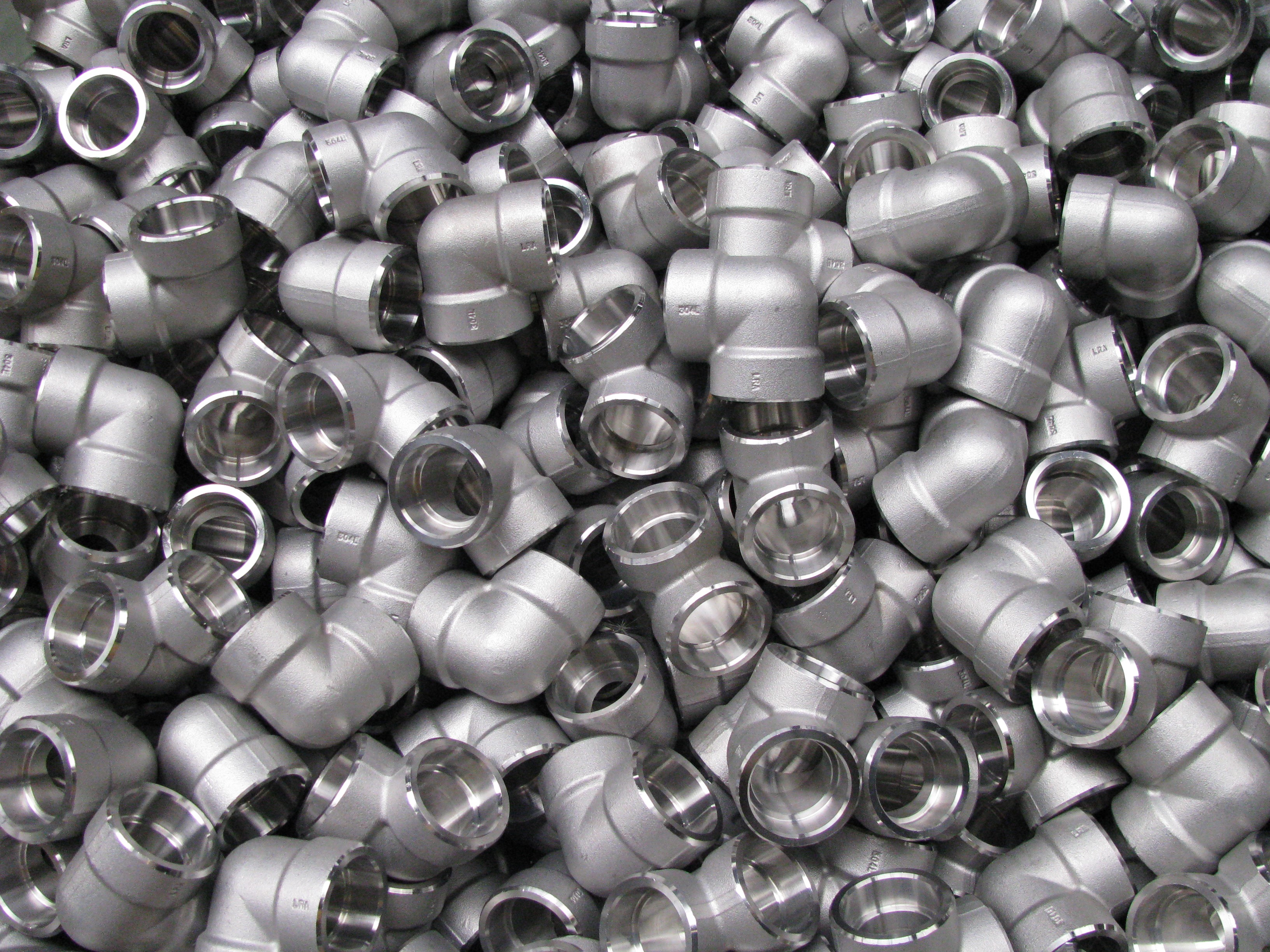 STUD BOLTS & NUTS